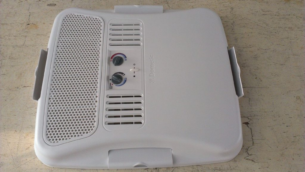 #3. Dometic Brisk II Air Conditioner