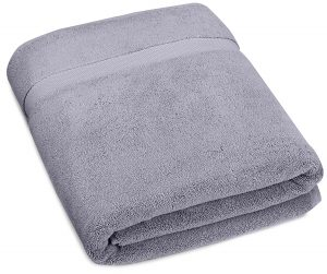 #9. Pinzon Luxury Bath Towel