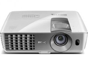 #3. BenQ DLP 1080p 3D Home Theater Projector