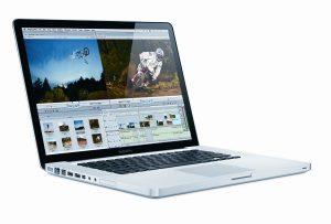 7. Apple MacBook Pro MC026LL/A Laptop