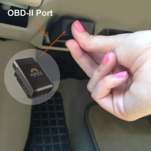 9. Vyncs 3G Car GPS Tracker