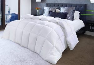 Queen White Quilted Down Alternative Comforter from Utopia Bedding