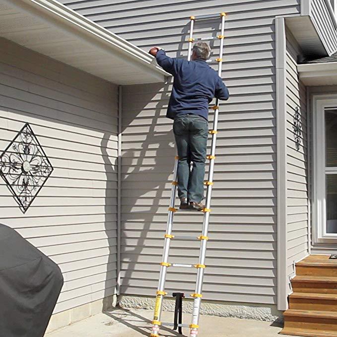 Xtend and Climb Aluminum Telescoping Ladder, 770P